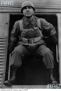 Max Schmeling em treinamento de paraquedista